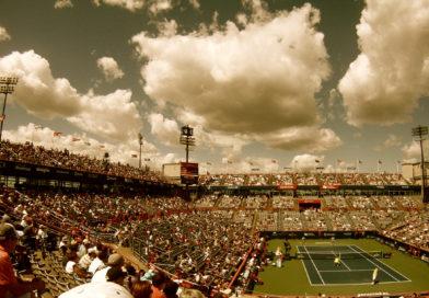 Tenisový zápas – Roger září